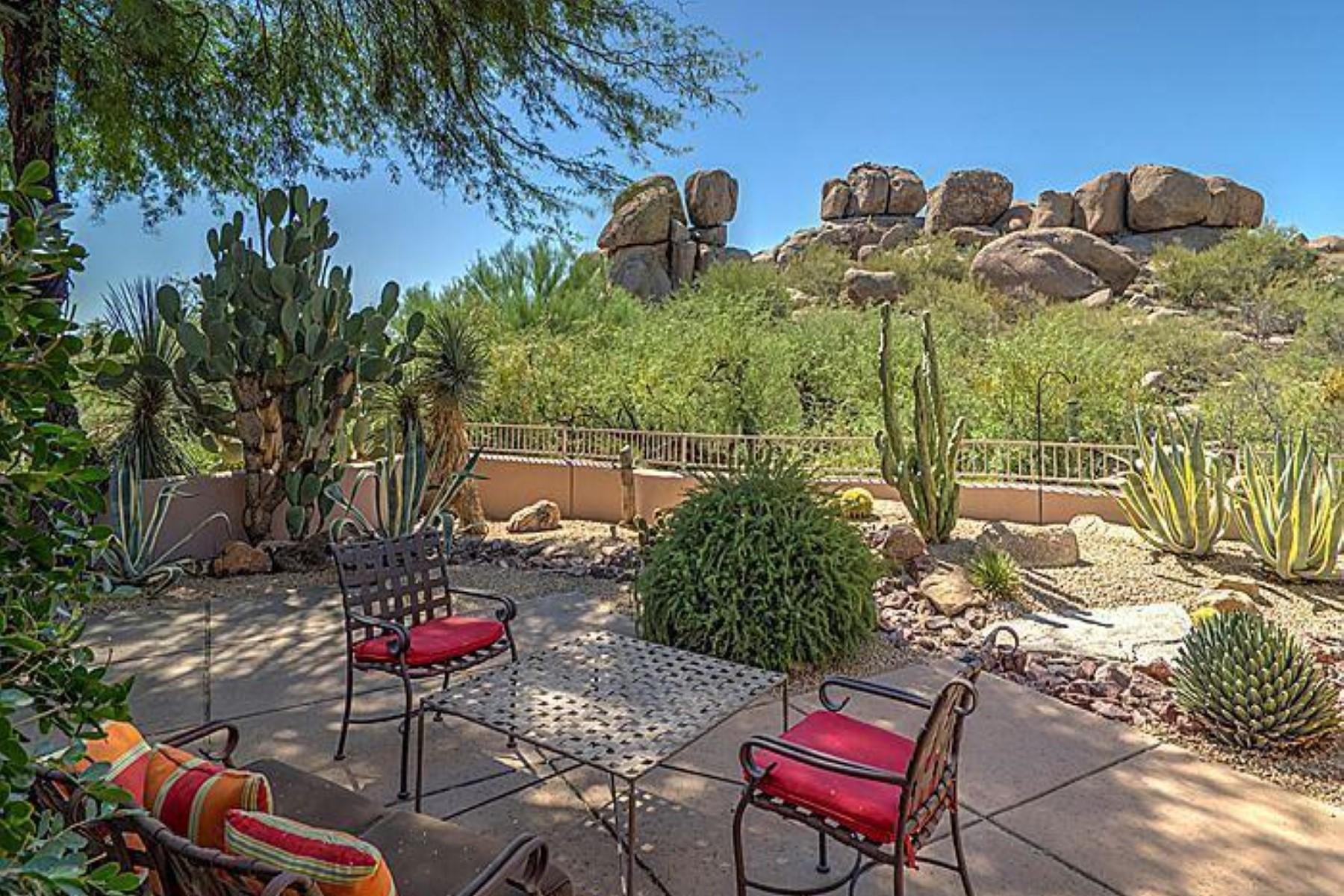 Vivienda unifamiliar por un Venta en One of the most desirable lots in the coveted Fifth Green of the Boulders. 7500 E BOULDERS PKWY 20 Scottsdale, Arizona 85266 Estados Unidos