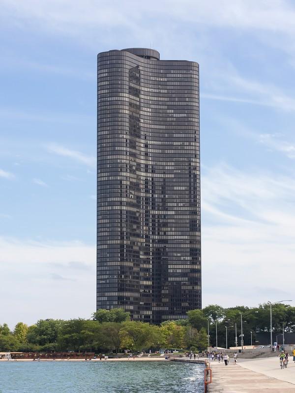 Кооперативная квартира для того Продажа на Simply Spectacular! 505 N Lake Shore Drive Unit 6705 Chicago, Иллинойс 60611 Соединенные Штаты