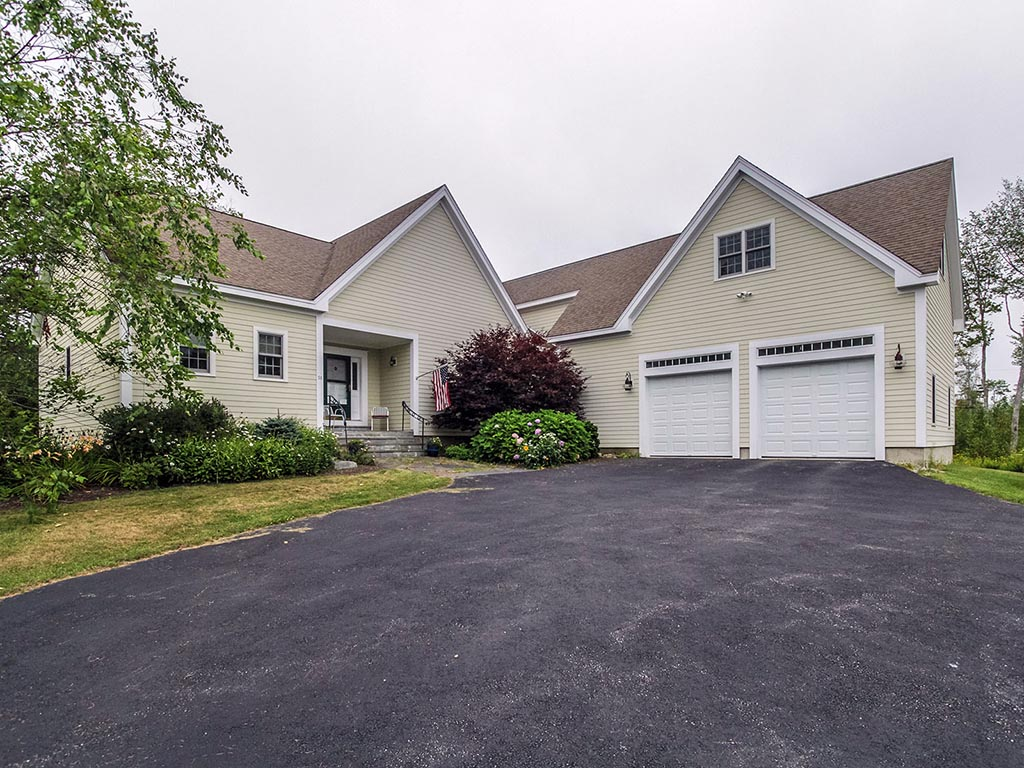Single Family Home for Sale at 58 Cushing Farm Rd 58 Cushing Farm Road Bristol, Maine, 04554 United States