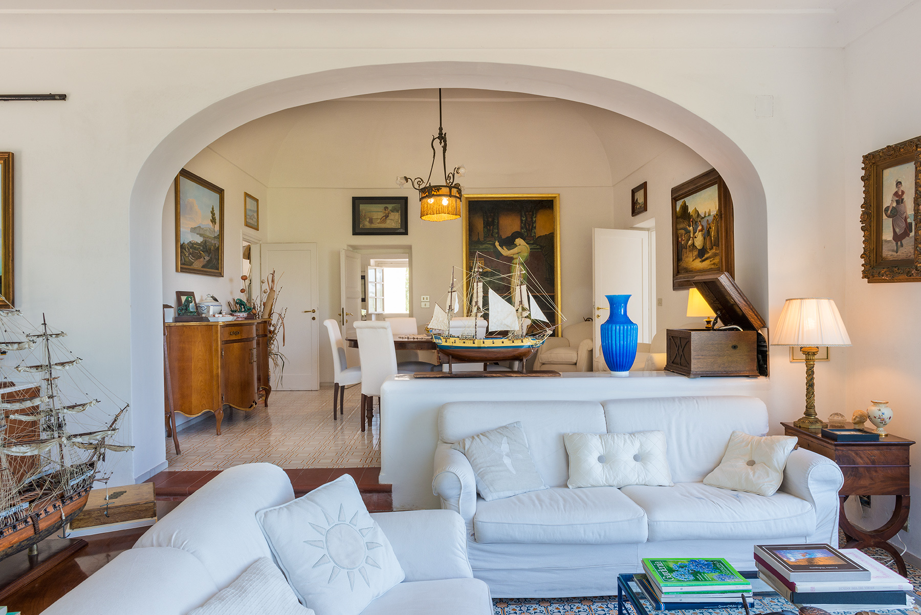 Additional photo for property listing at Suggestive villa in the heart of Anacapri Capri, Naples Italien