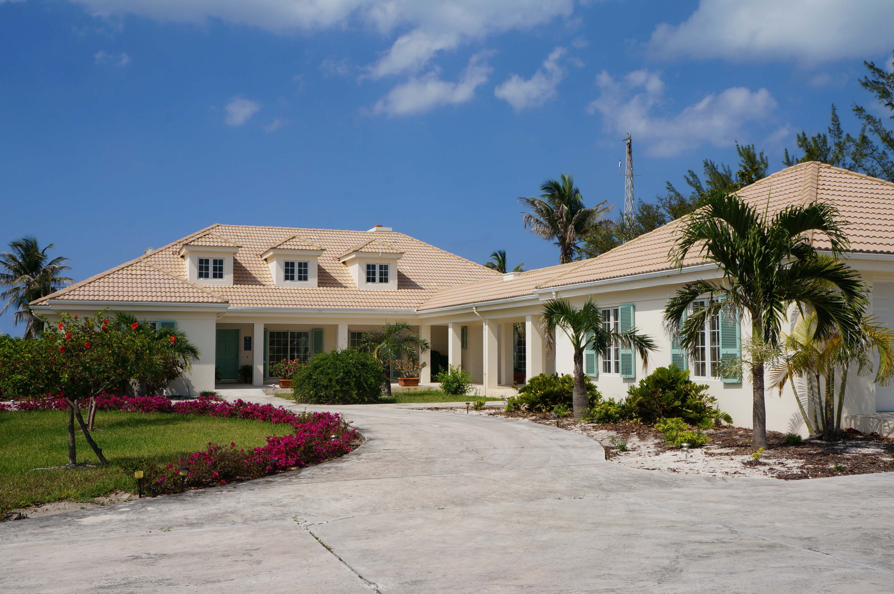 Single Family Home for Sale at Blue Vue - Beachfront Home Spanish Wells, Eleuthera Bahamas