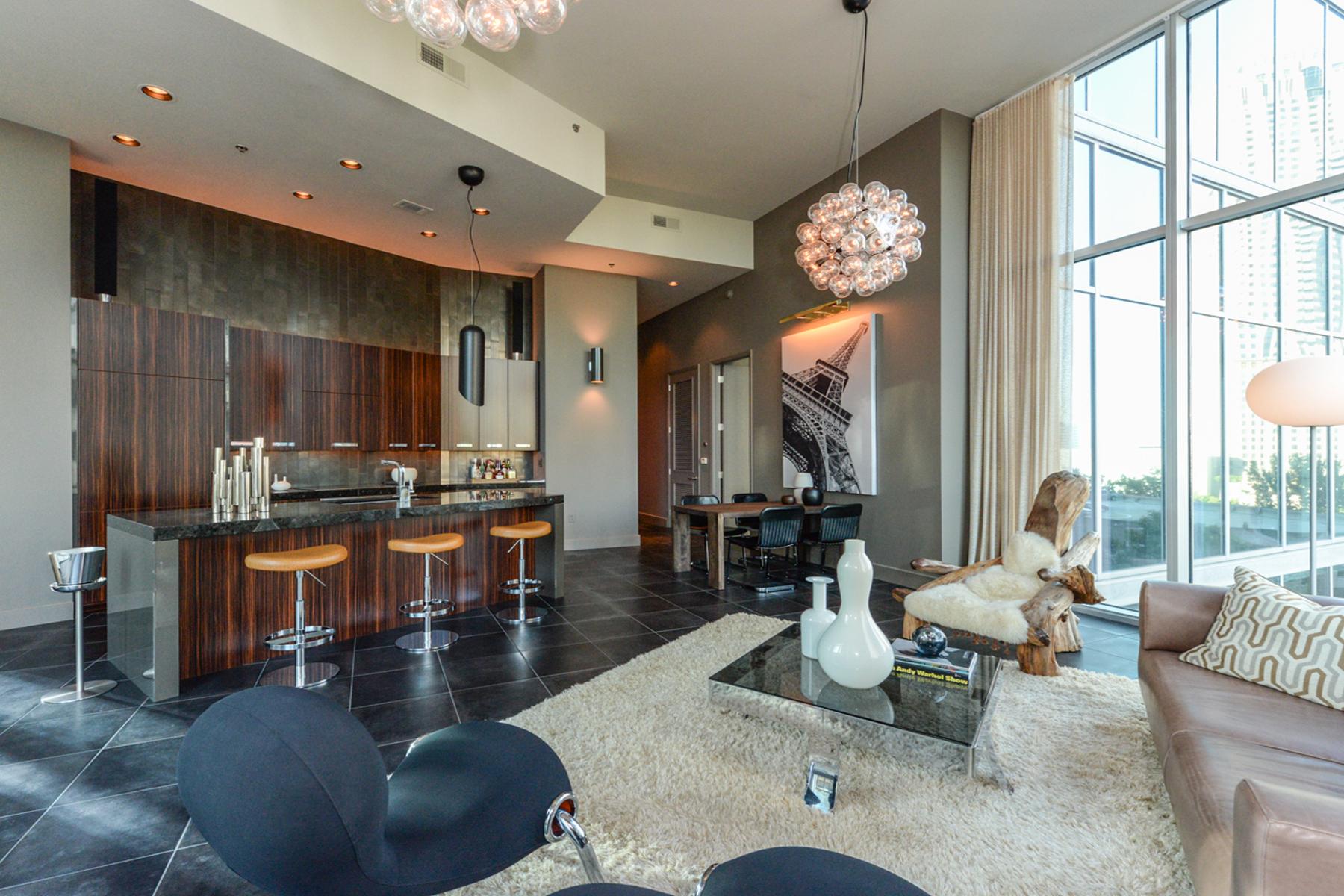 Appartement en copropriété pour l Vente à Soaring 112 story Luxury Designer Show Place in sought-after 1010 Midtown 1080 Peachtree Street NE Unit #703 Atlanta, Georgia, 30309 États-Unis