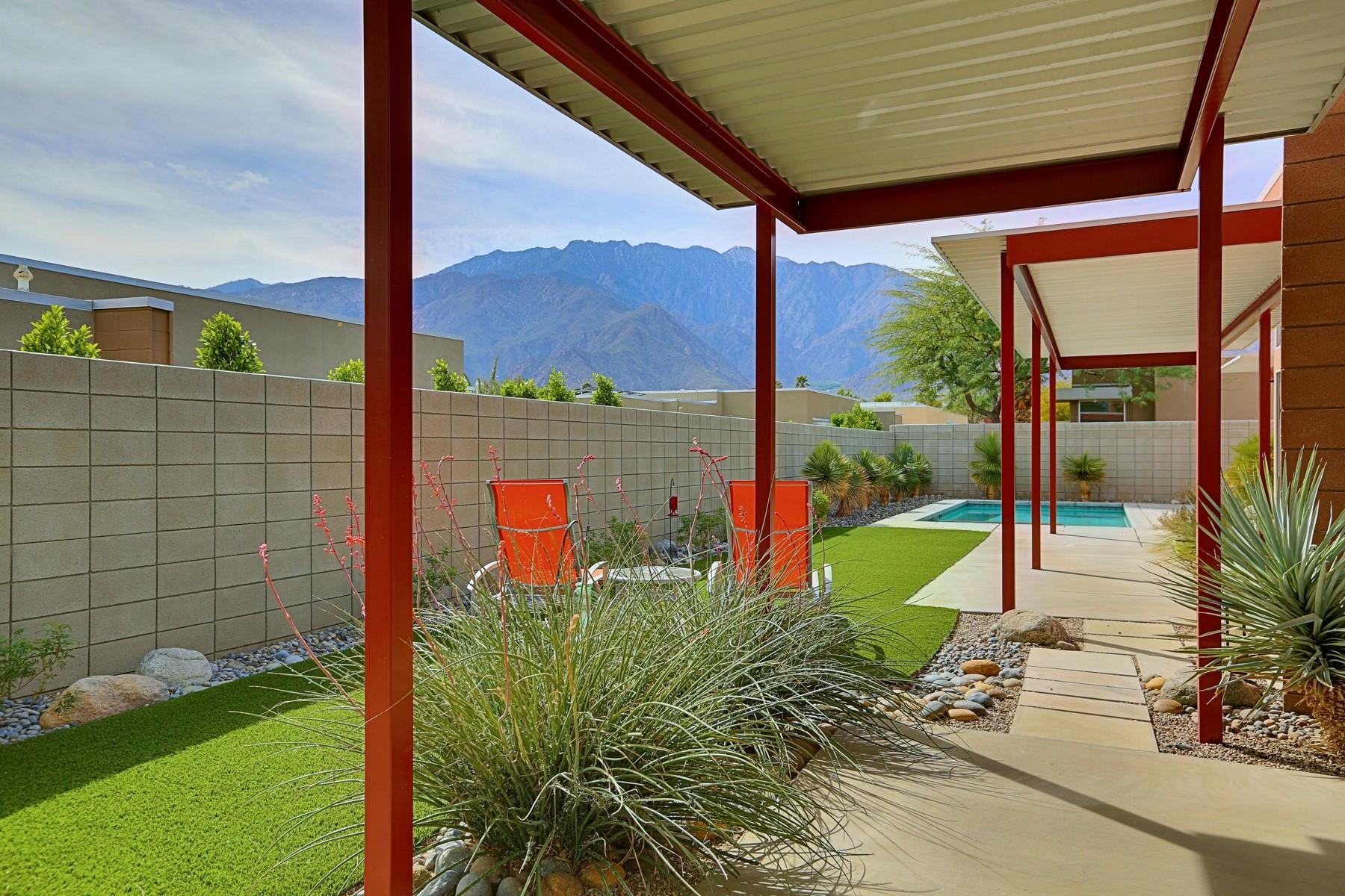 Частный односемейный дом для того Продажа на 1129 Azure Court Palm Springs, Калифорния, 92262 Соединенные Штаты