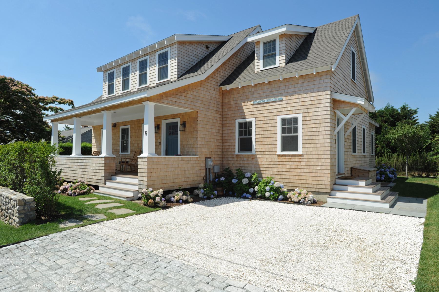 Einfamilienhaus für Verkauf beim Impeccable Cliff Home 6 Delaney Road Nantucket, Massachusetts 02554 Vereinigte Staaten