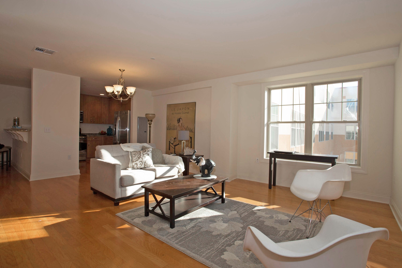 Condominio per Vendita alle ore Cosmopolitan Lifestyle 48 South Park Street, #611 Montclair, New Jersey 07042 Stati Uniti