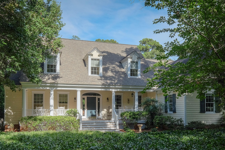 Casa Unifamiliar por un Venta en Edenton Bay Cottage 205 Dundee Drive Edenton, Carolina Del Norte 27932 Estados Unidos