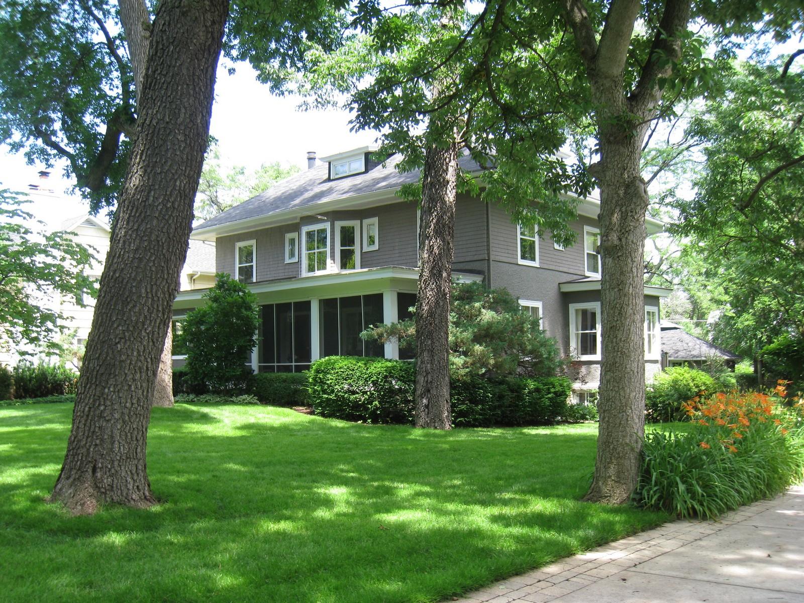 Maison unifamiliale pour l Vente à 123 N Washington Hinsdale, Illinois, 60521 États-Unis