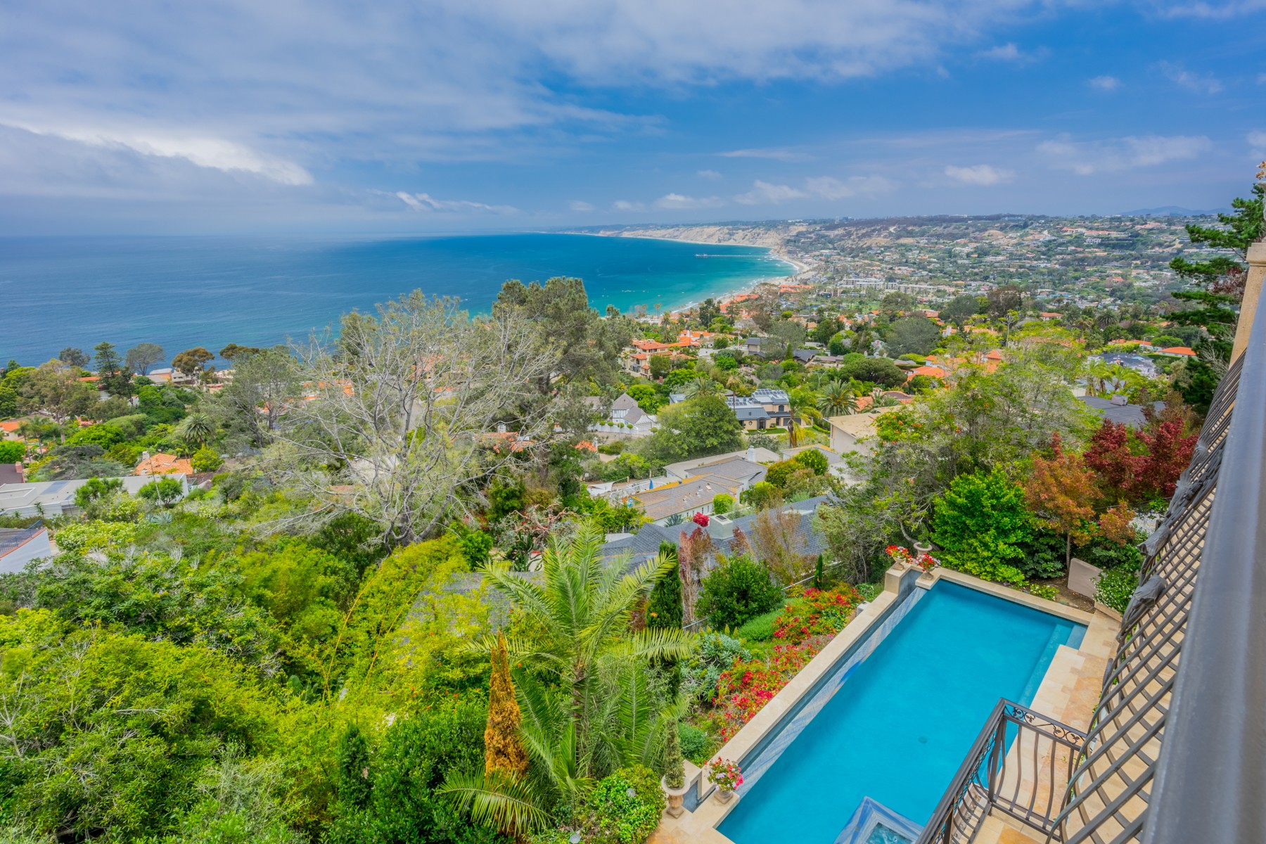 Additional photo for property listing at 1702 Valdes Dr  La Jolla, California 92037 Estados Unidos