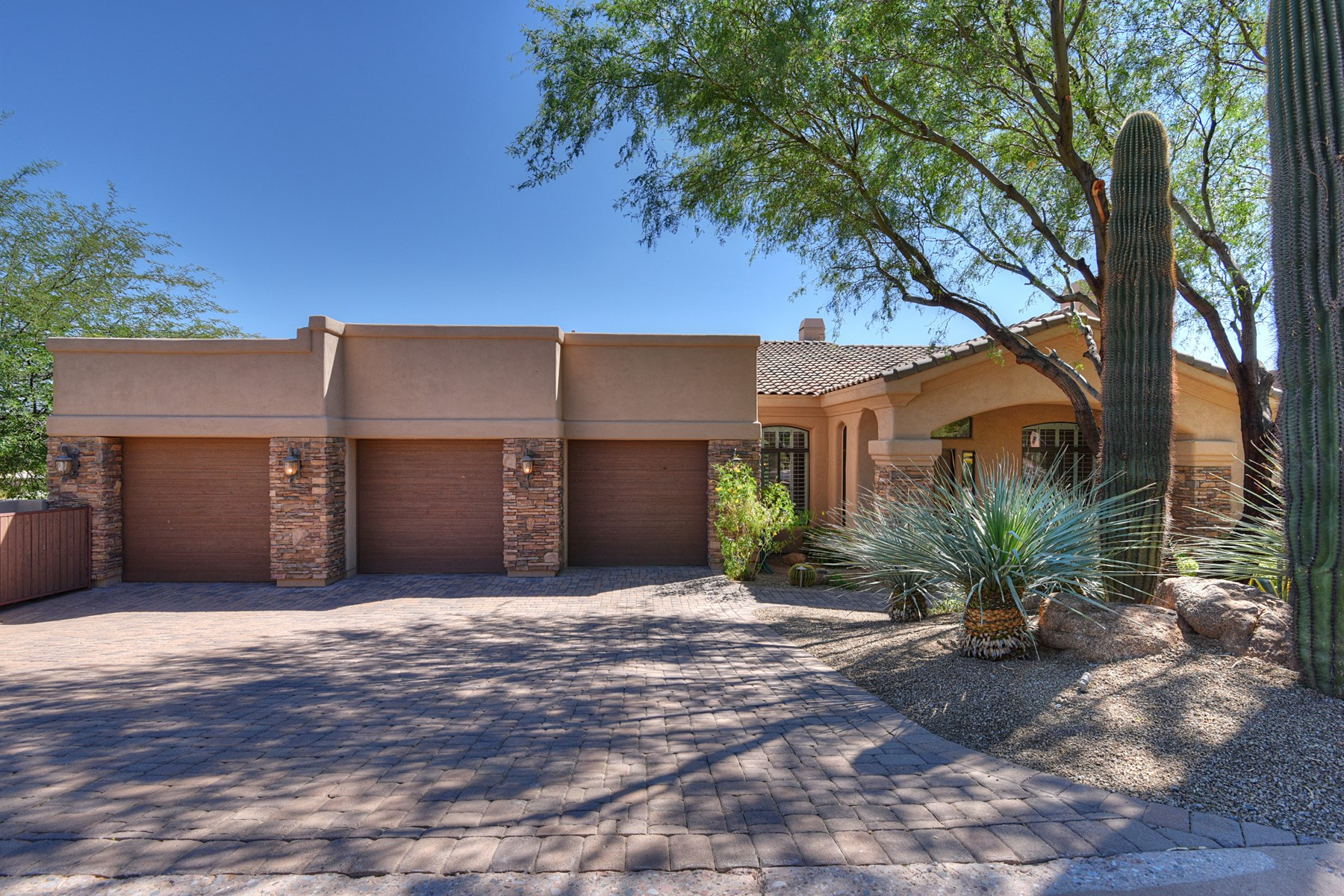 一戸建て のために 売買 アット Stunning Troon and McDowell Mountain views from this custom home 11417 E Chama Rd Scottsdale, アリゾナ 85255 アメリカ合衆国
