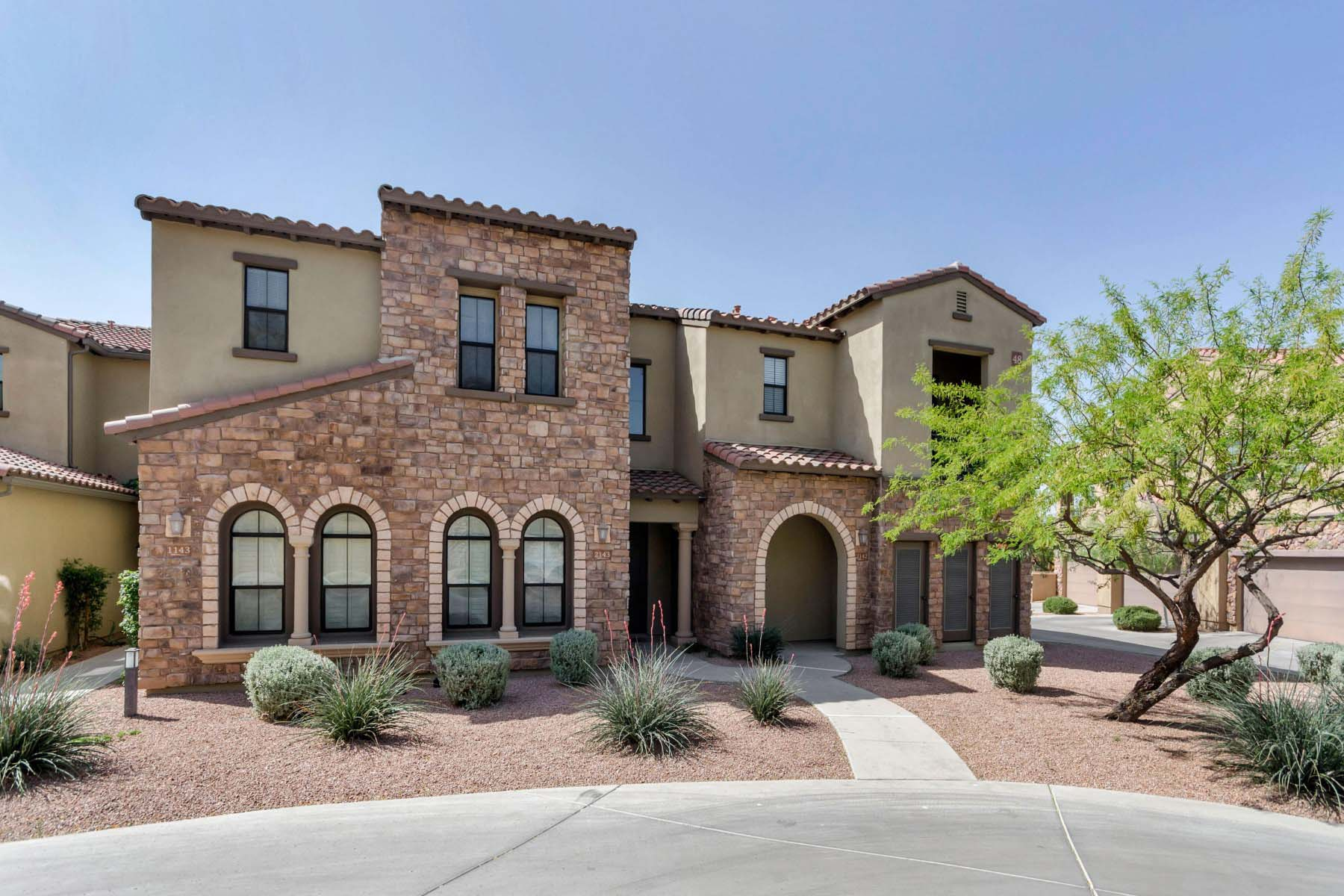 Property For Sale at Wonderful turnkey home in North Scottsdale at the Encore at Grayhawk.