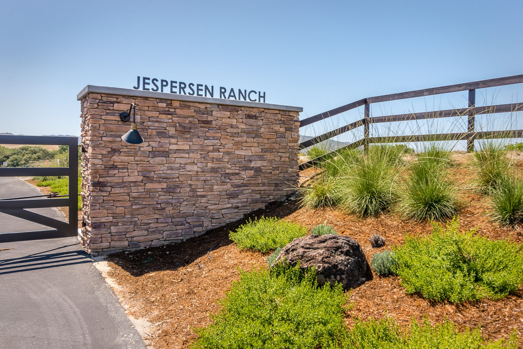 Terreno por un Venta en One Acre Creekside Parcel Jespersen Road #Lot 3 San Luis Obispo, California 93401 Estados Unidos