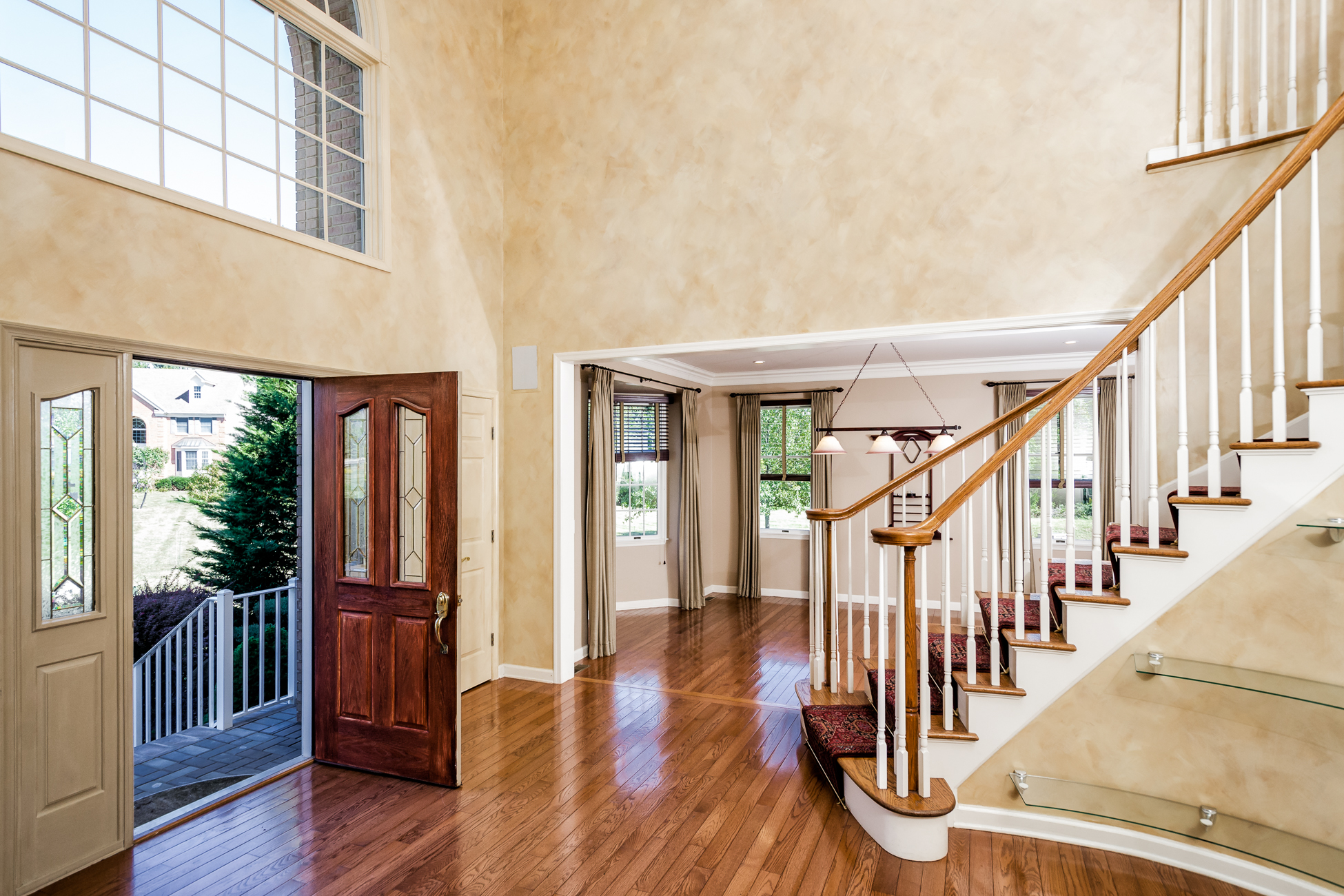 Additional photo for property listing at Grand Style Entertaining - Montgomery Township 43 Rosewood Court Belle Mead, New Jersey 08502 États-Unis