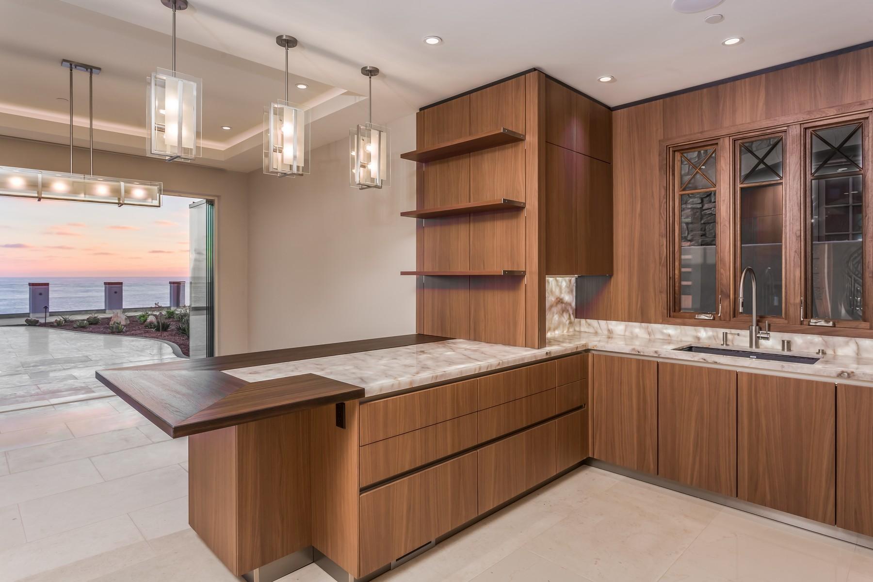 Additional photo for property listing at 824 Neptune Avenue  Encinitas, Калифорния 92024 Соединенные Штаты