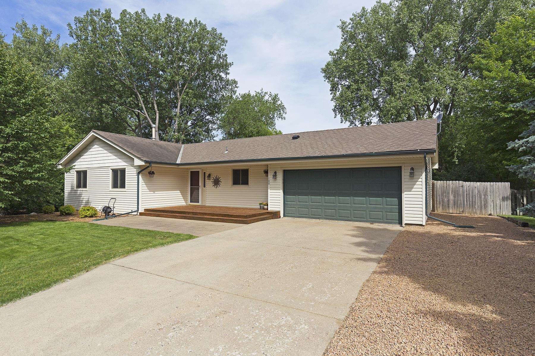 Villa per Vendita alle ore 100 Maple Island Road Burnsville, Minnesota, 55306 Stati Uniti