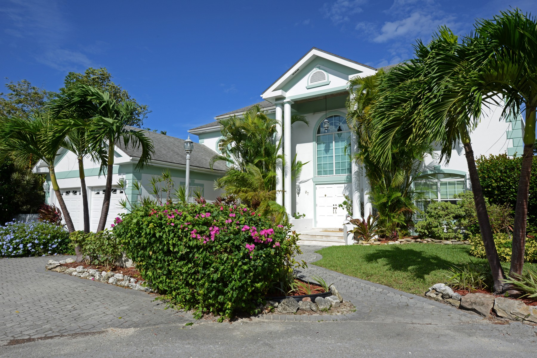 Single Family Home for Rent at 27 Sand Dollar Island Sandyport, Cable Beach, Nassau And Paradise Island Bahamas