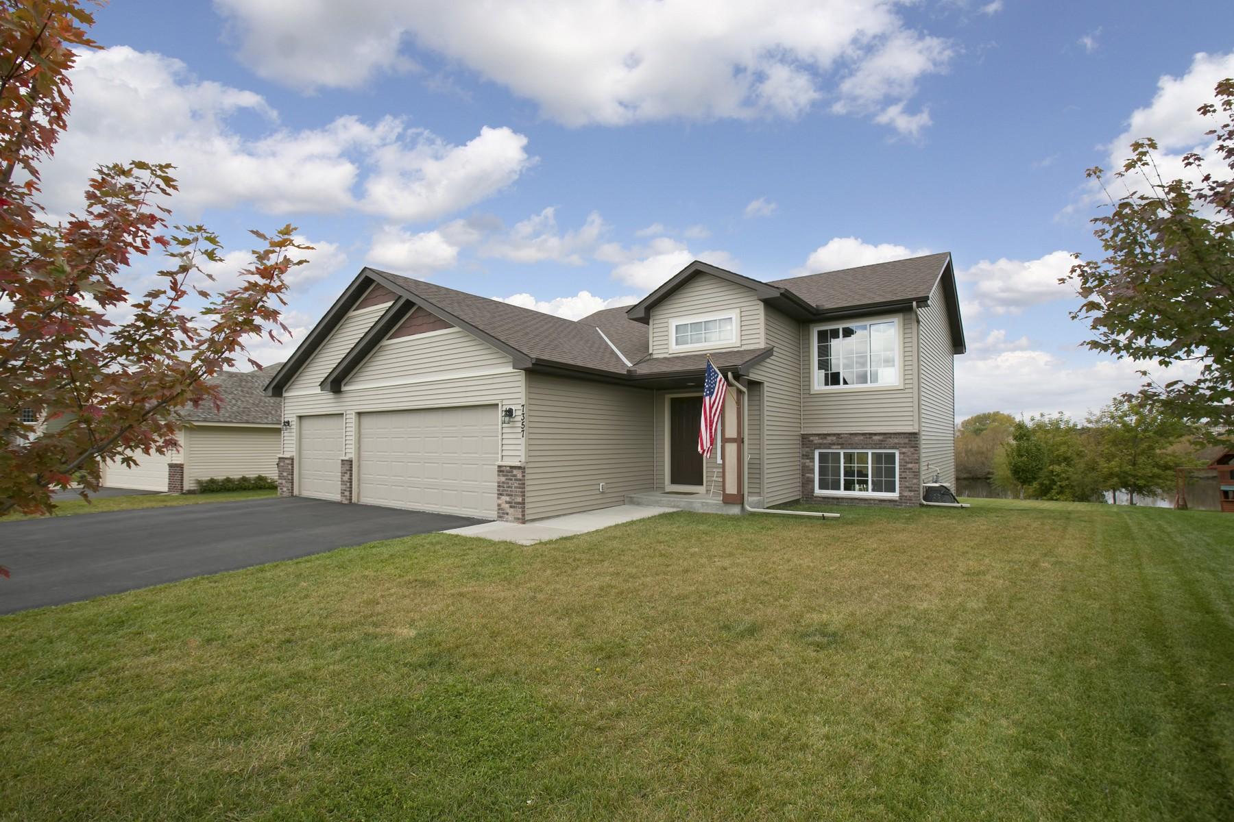 Maison unifamiliale pour l Vente à 7357 Lambert Avenue NE Otsego, Minnesota 55301 États-Unis