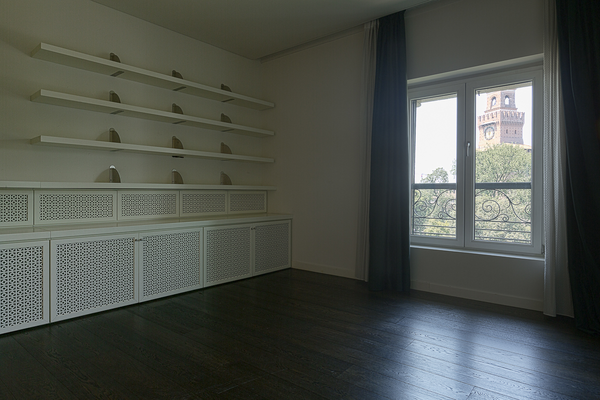 Additional photo for property listing at Castle's view panoramic penthouse in Piazza Castello  Milano, Milan 20121 Italy