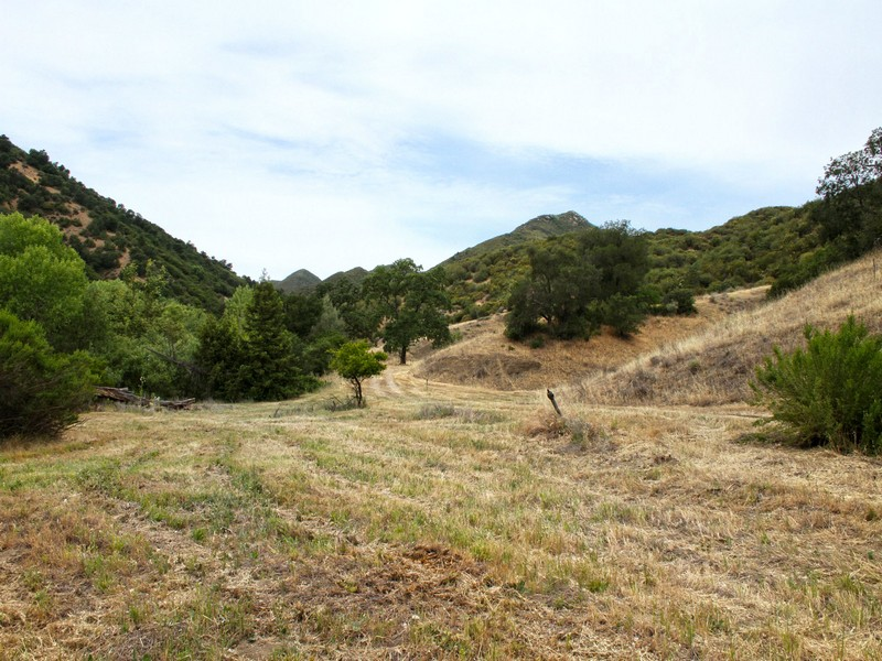 Terreno por un Venta en 32+ Acres Near Town..Views 8781 Tassajara Creek Rd. Santa Margarita, California 93453 Estados Unidos