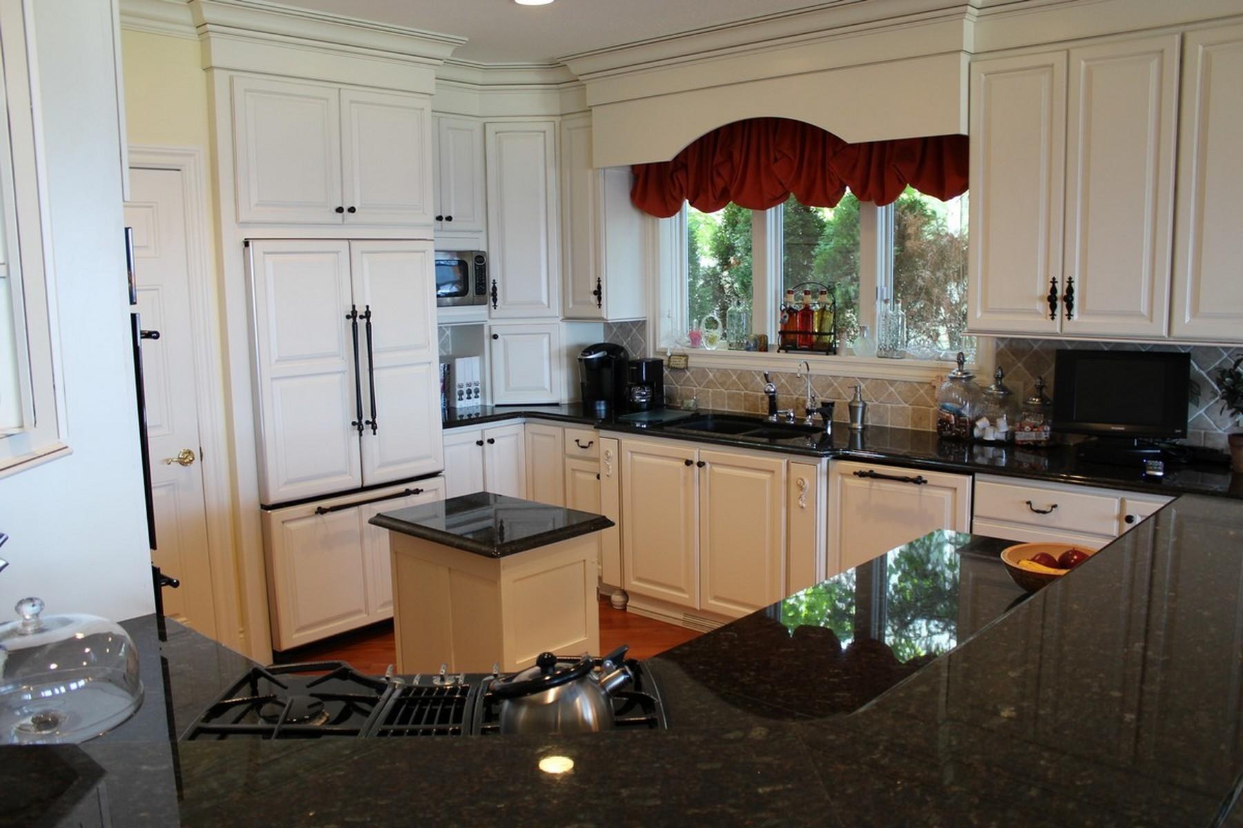 Eigentumswohnung für Verkauf beim Cliffs 49 3412 Cliffs Drive Bay Harbor, Michigan, 49770 Vereinigte Staaten