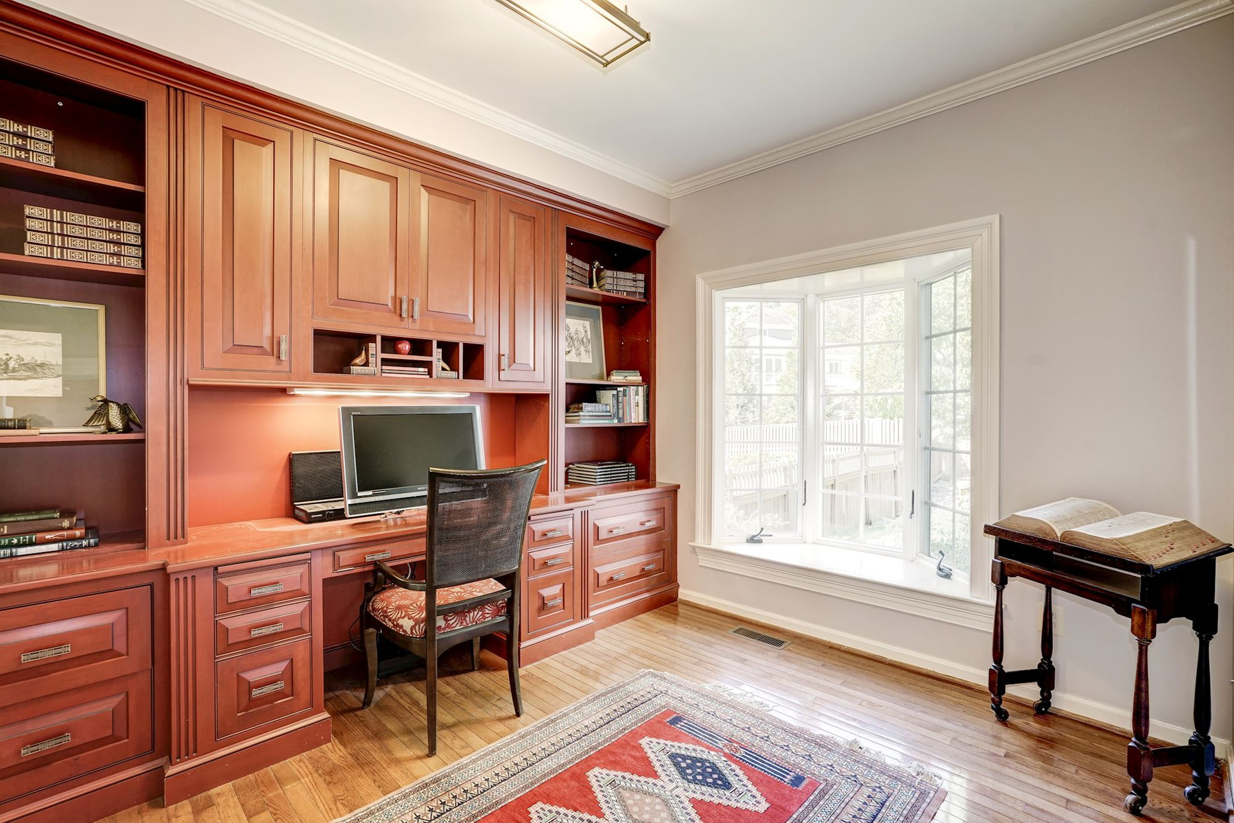 Additional photo for property listing at Quaker Hill 1263 Dartmouth Ct Alexandria, Virginia 22314 Estados Unidos