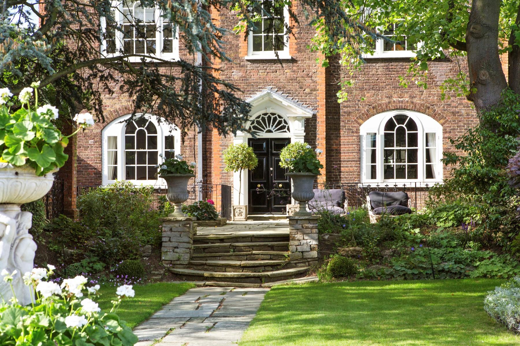 Casa Unifamiliar por un Venta en Historical Hampton Court Hampton Court Road East Molesey, Inglaterra KT89DA Reino Unido