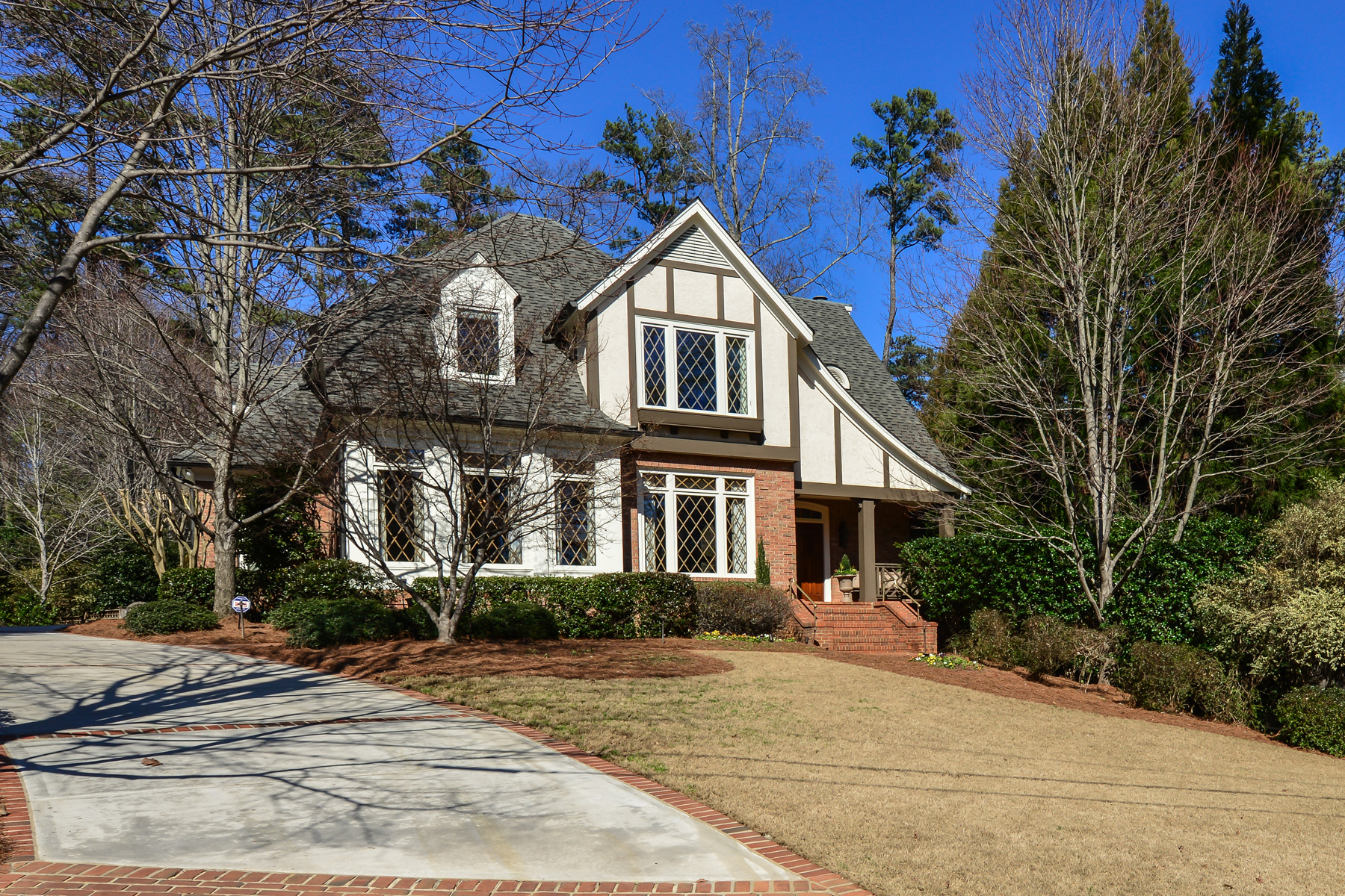 Single Family Home for Sale at Exceptional Brookhaven With Master On Main And Pool 4367 West Club Drive NE Brookhaven, Atlanta, Georgia, 30319 United States