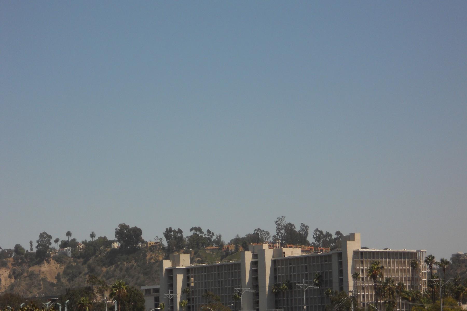 Appartement en copropriété pour l Vente à 6737 Friars Road 6737 Friars Road 182 San Diego, Californie 92108 États-Unis