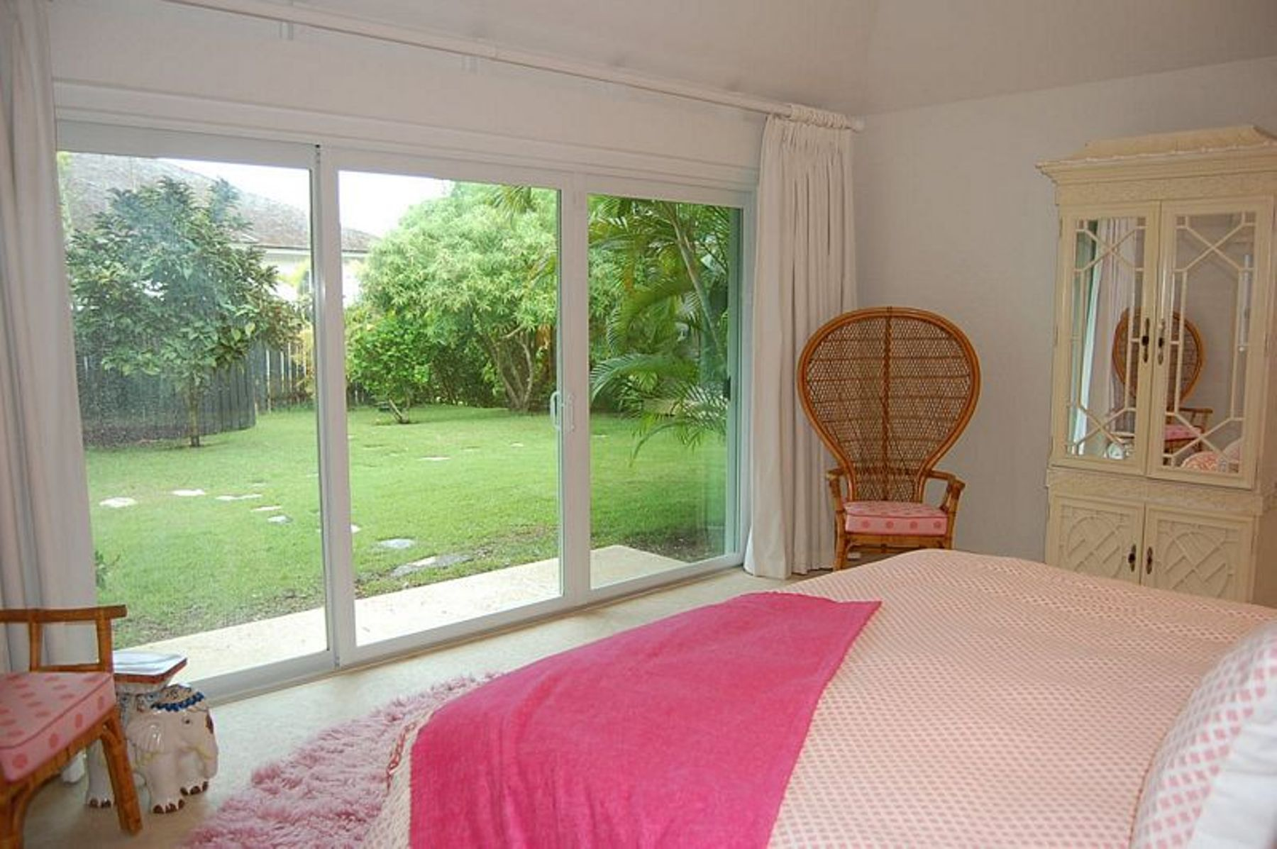Additional photo for property listing at Treehouse Lyford Cay, New Providence/Nassau Bahamas