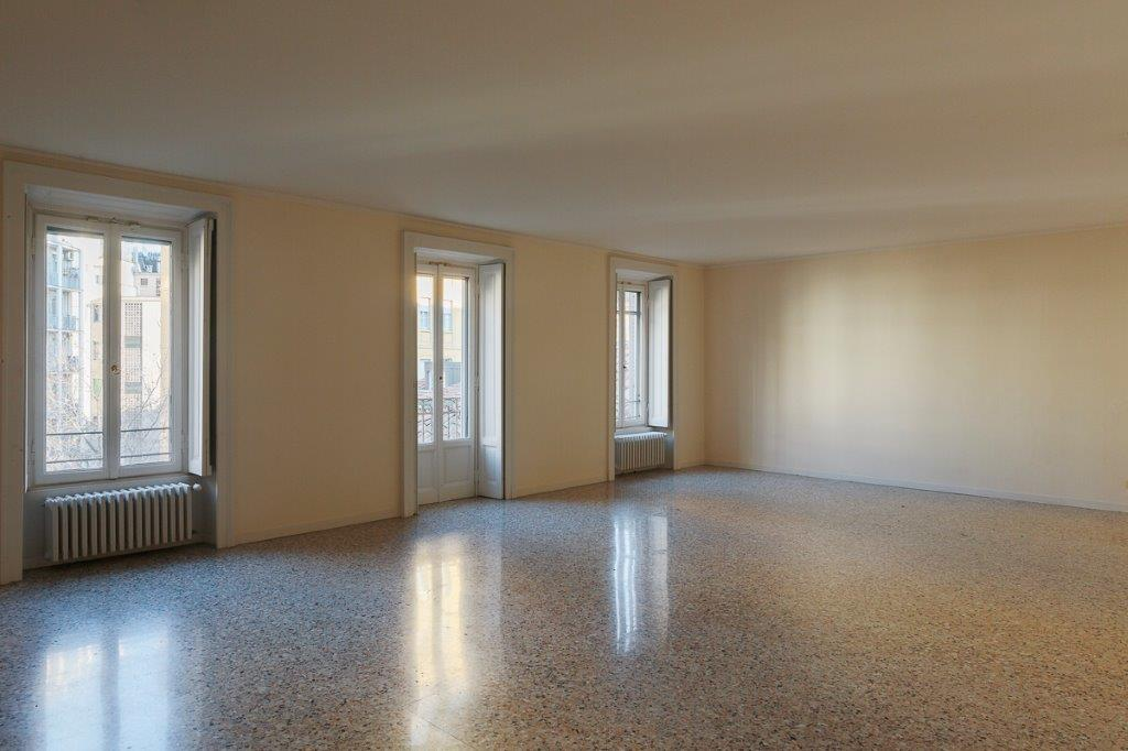 Single Family Home for Rent at Bright apartment in historical elegant building Via Borgonuovo Milano, 20121 Italy