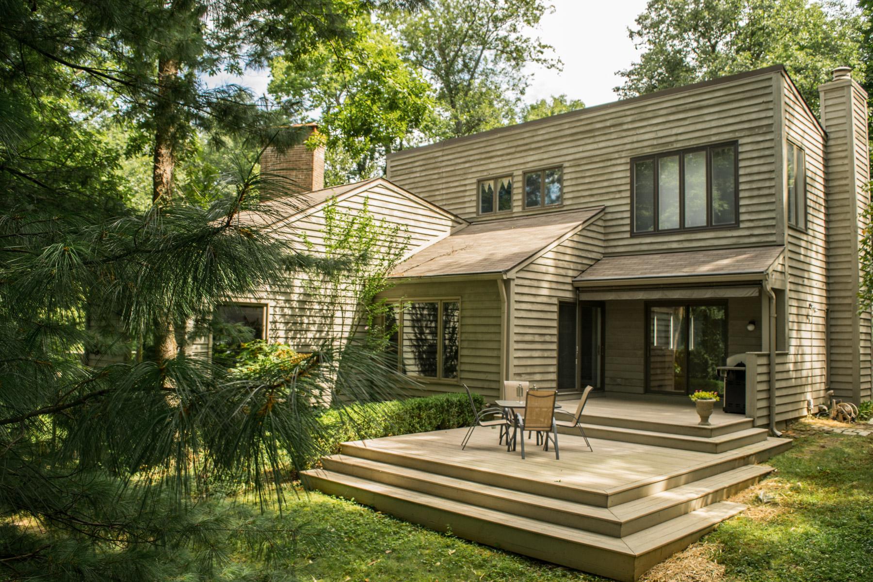 sales property at 3501 Woodside Road
