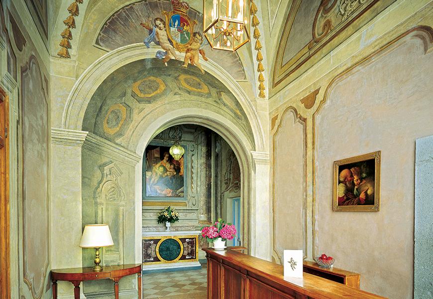 Additional photo for property listing at Magnificent Historic Villa in Castelli Romani Via Umberto Pavoni Grottaferrata, Rome 00046 Italien