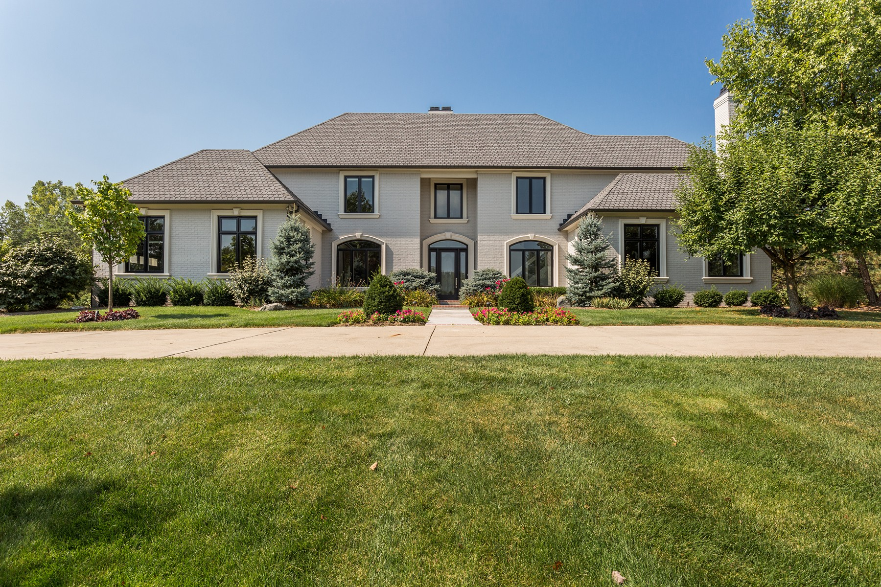 Property For Sale at Amazing Updated West Carmel Home
