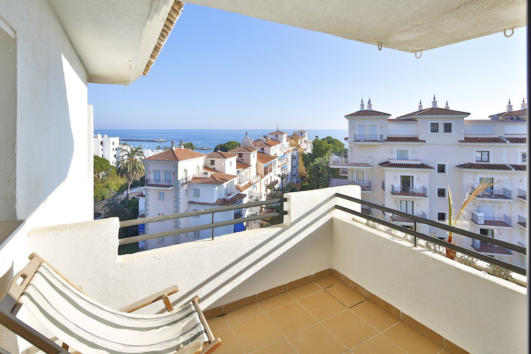 Apartamento por un Venta en Apartment in Puerto Banús Puerto Banus Marbella, Costa Del Sol, 29660 España
