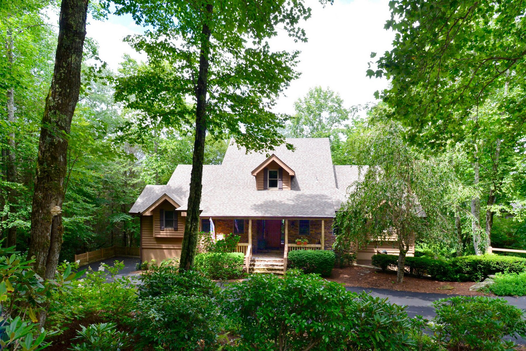 Single Family Home for Sale at Wildcat Beauty 72 Oak Point Highlands, North Carolina, 28741 United States