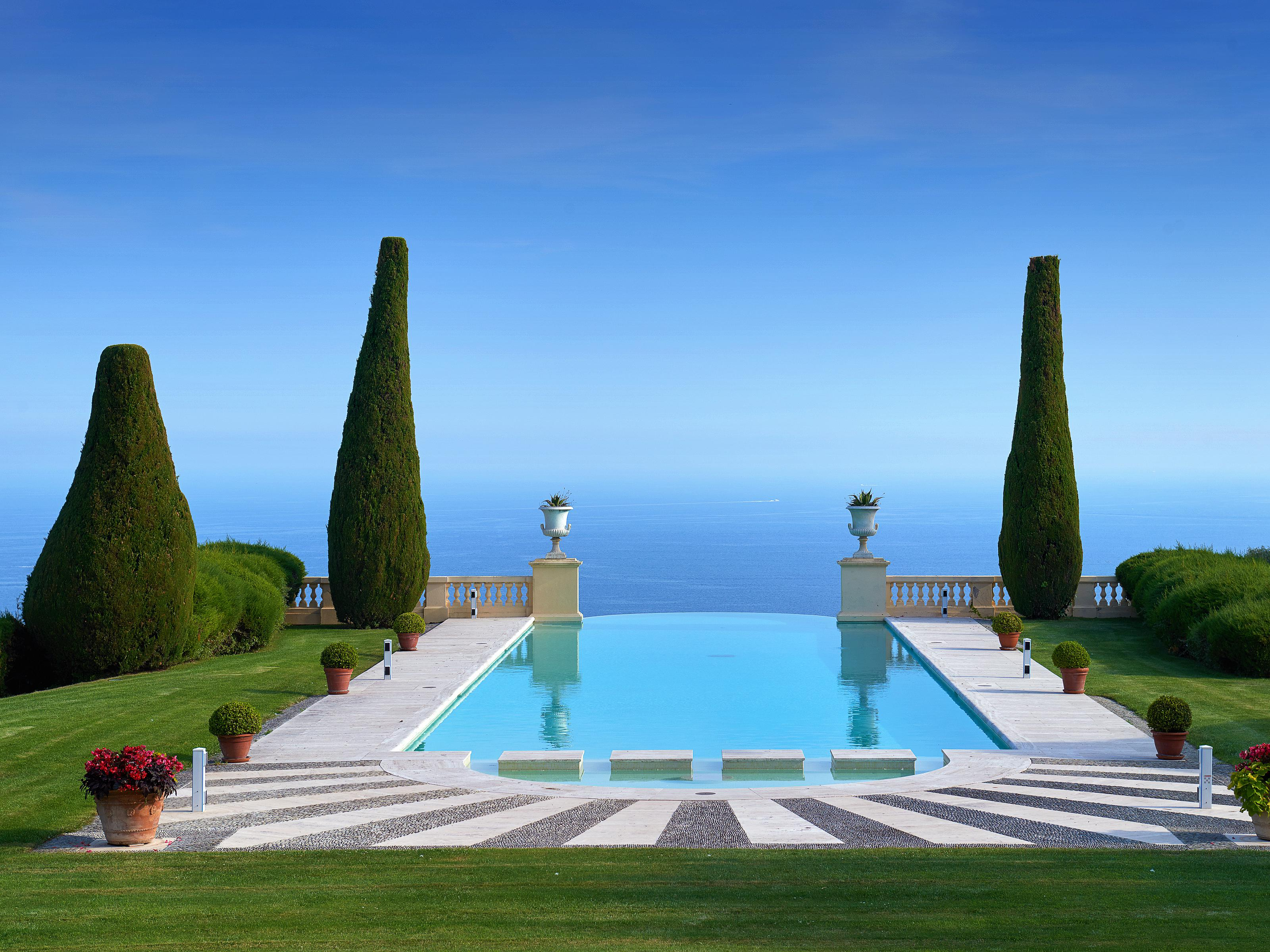 Villa per Vendita alle ore Magnificent castle set in the legendary area of 'La Croix des Gardes' Cannes Cannes, Provenza-Alpi-Costa Azzurra 06400 Francia