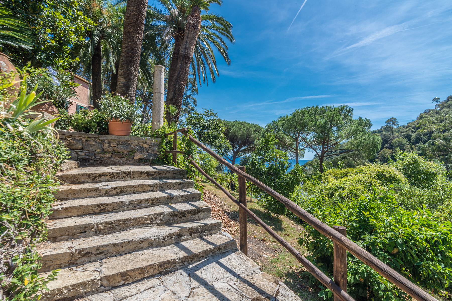 Additional photo for property listing at Magnifica villa a Paraggi nel parco di Portofino via di Paraggi Portofino, Genoa 16038 Italia