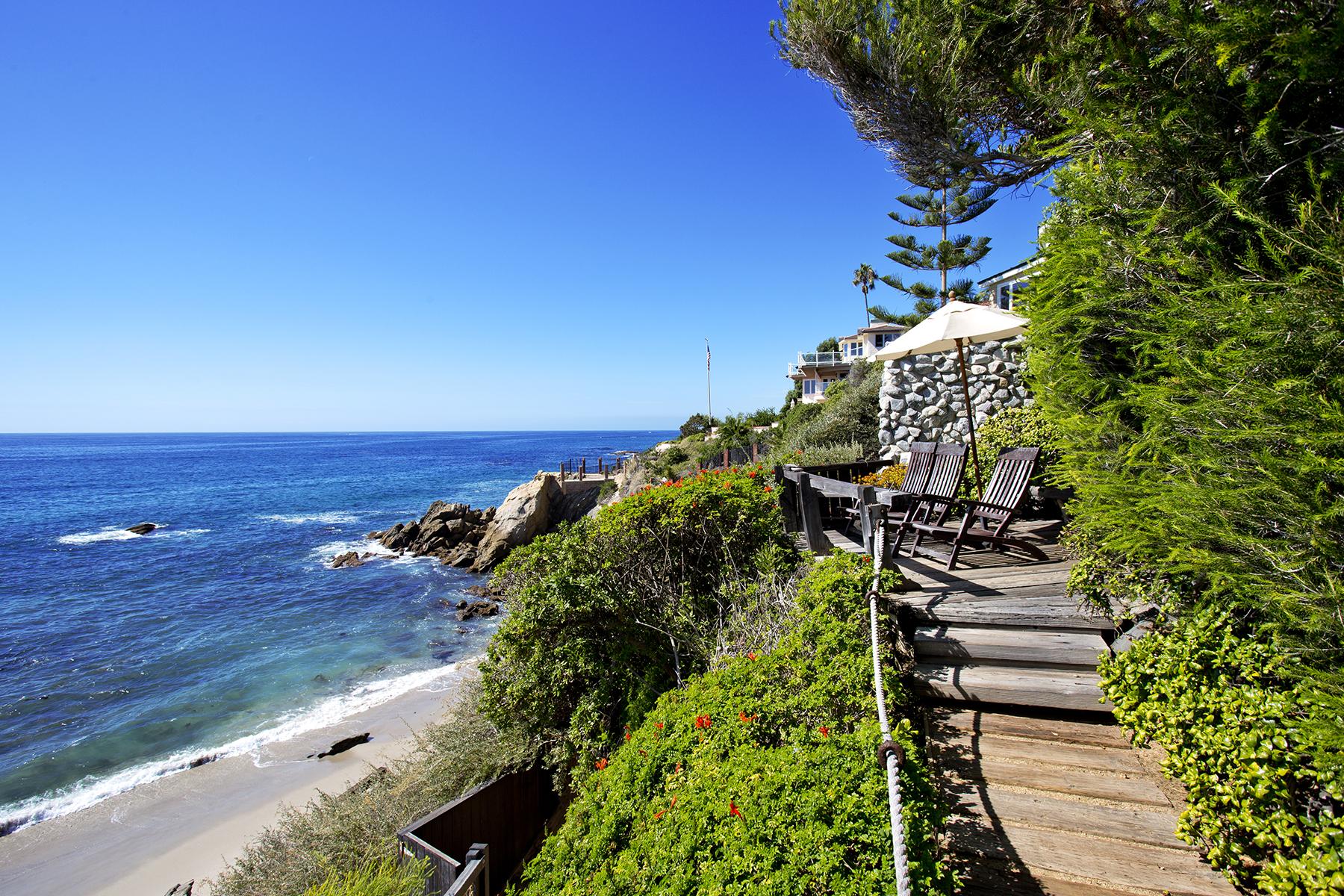 Maison unifamiliale pour l Vente à 2191 Ocean Way Laguna Beach, Californie 92651 États-Unis