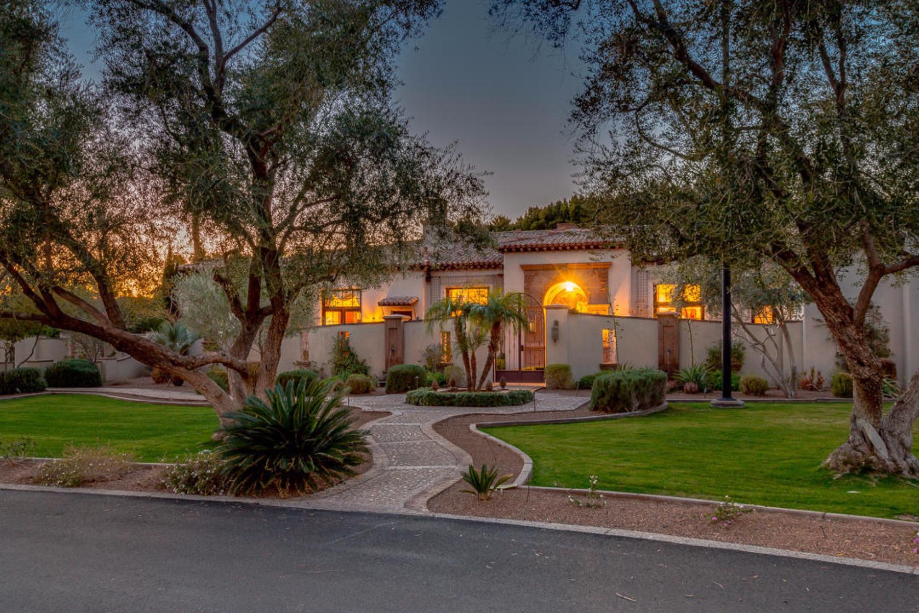 단독 가정 주택 용 매매 에 Magnificent estate in Phoenix 4602 N Royal View Dr Phoenix, 아리조나, 85018 미국