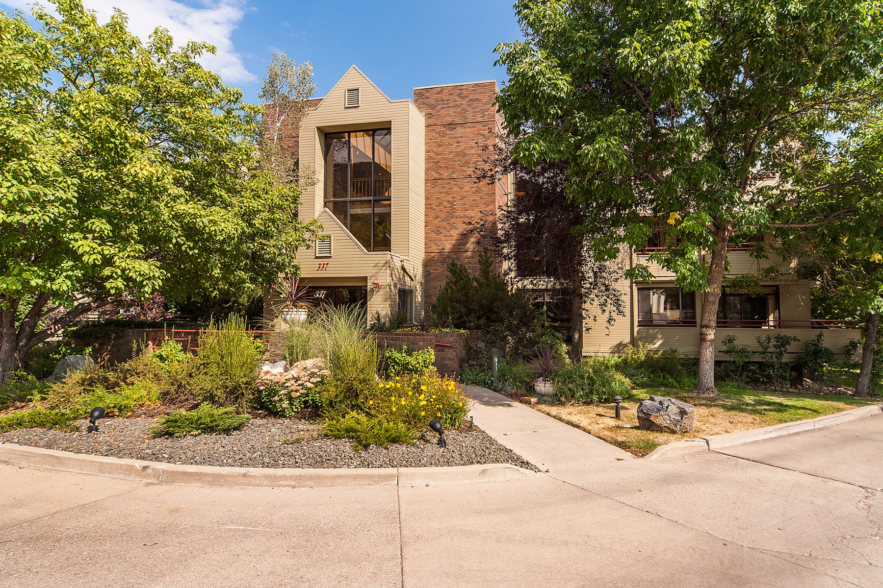 Condominium for Sale at Penthouse Overlooking Boulder 337 Arapahoe Ave 301 Boulder, Colorado 80302 United States
