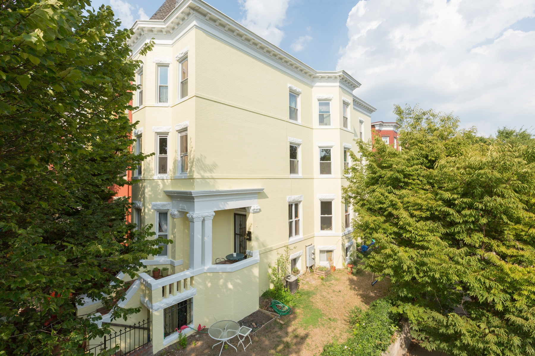 Maison unifamiliale pour l Vente à Mount Pleasant 3157 18th Street NW Mount Pleasant, Washington, District De Columbia 20010 États-Unis