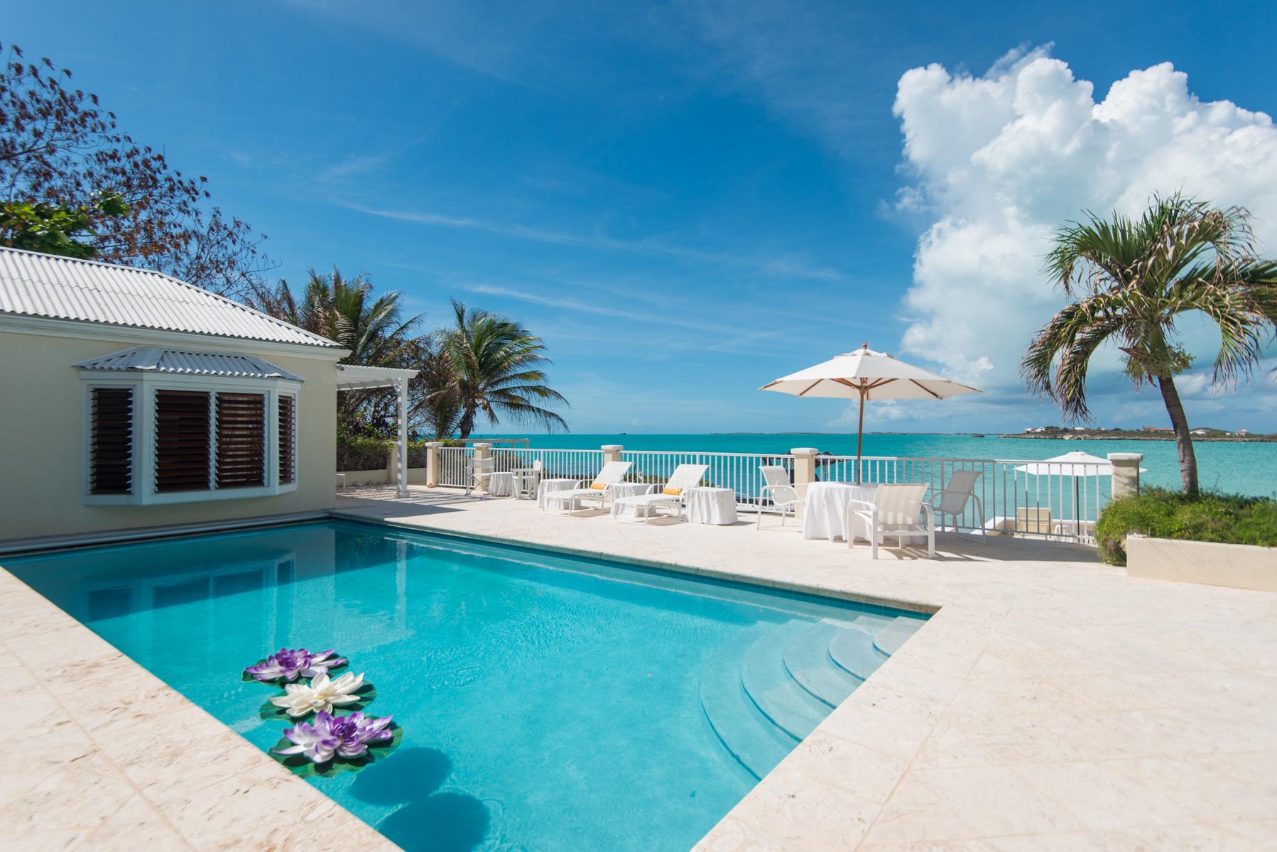 Moradia para Venda às Casa Ananas Beachfront Sapodilla Bay, Providenciales TCI Turks E Caicos