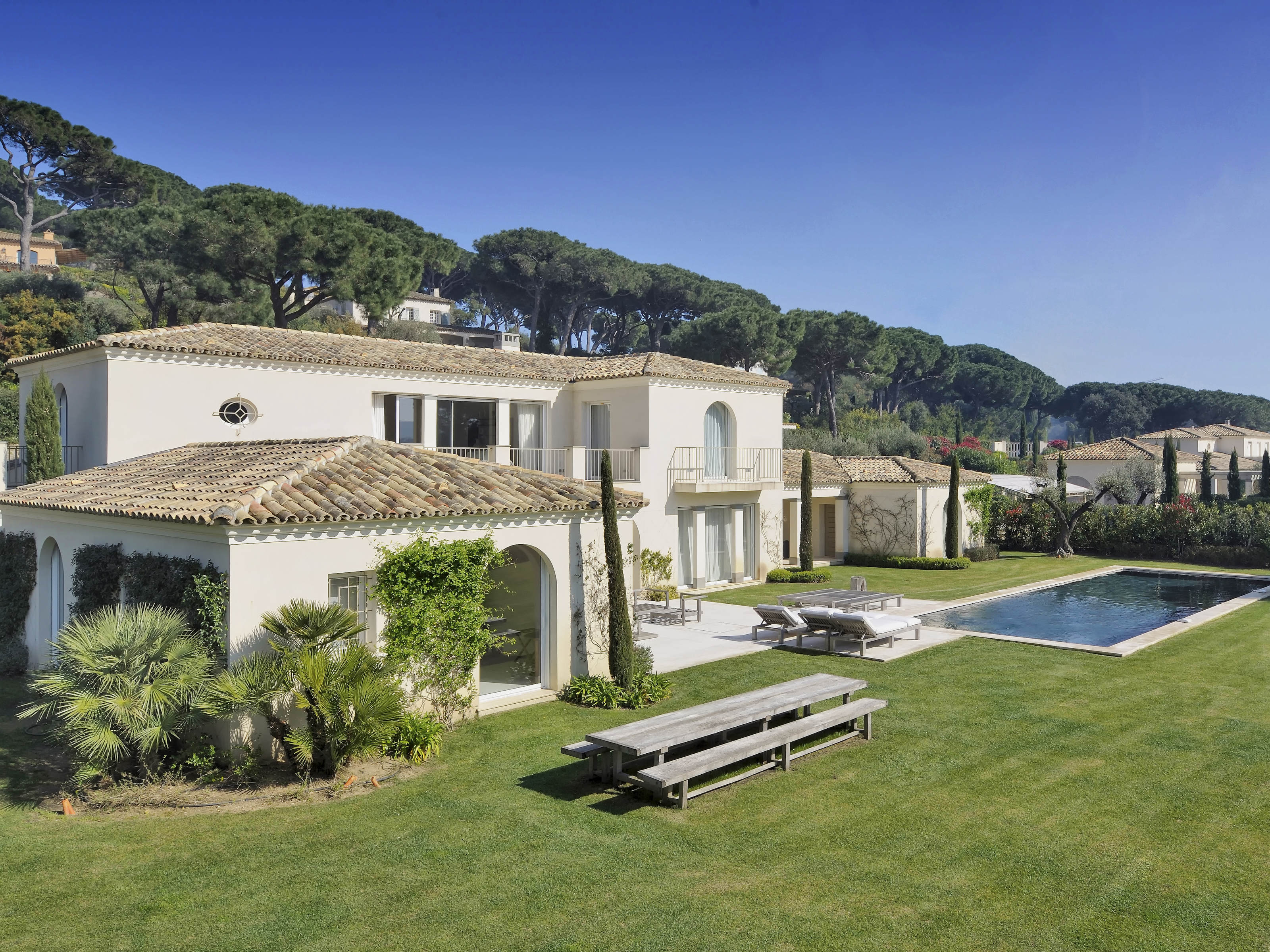 Villa per Vendita alle ore Charming modern villa in Saint-Tropez Saint Tropez, Provenza-Alpi-Costa Azzurra 83990 Francia