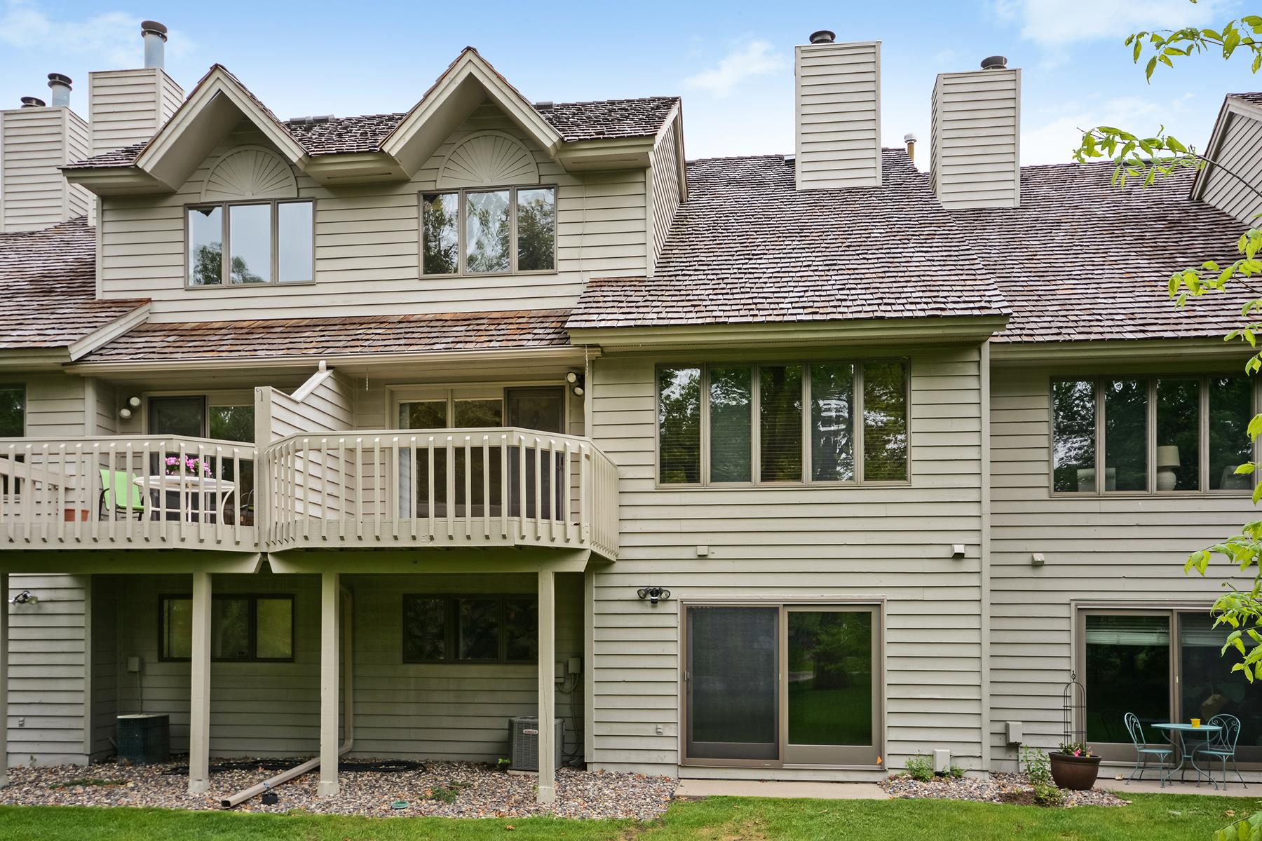 Townhouse for Sale at 7478 Cahill Road Edina, Minnesota, 55439 United States