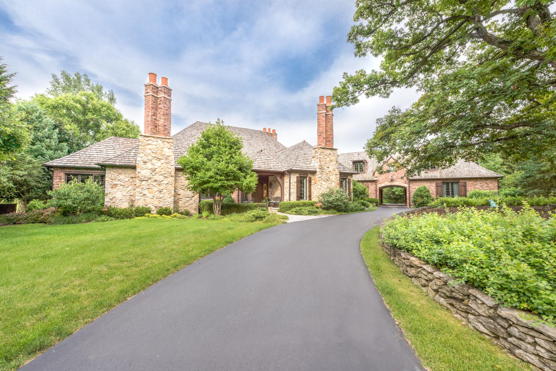Maison unifamiliale pour l Vente à 12 Kensington Drive North Barrington, Illinois 60010 États-Unis