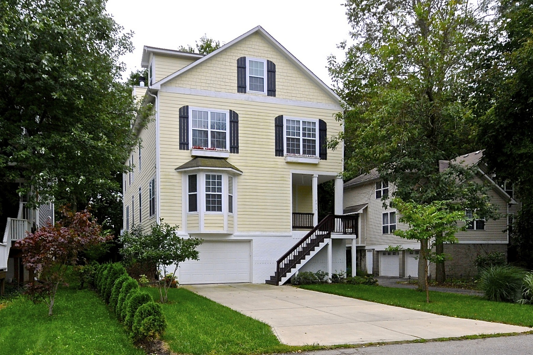 Single Family Home for Sale at Stunning Home in River Park 2319 Beach Avenue Indianapolis, Indiana 46240 United States