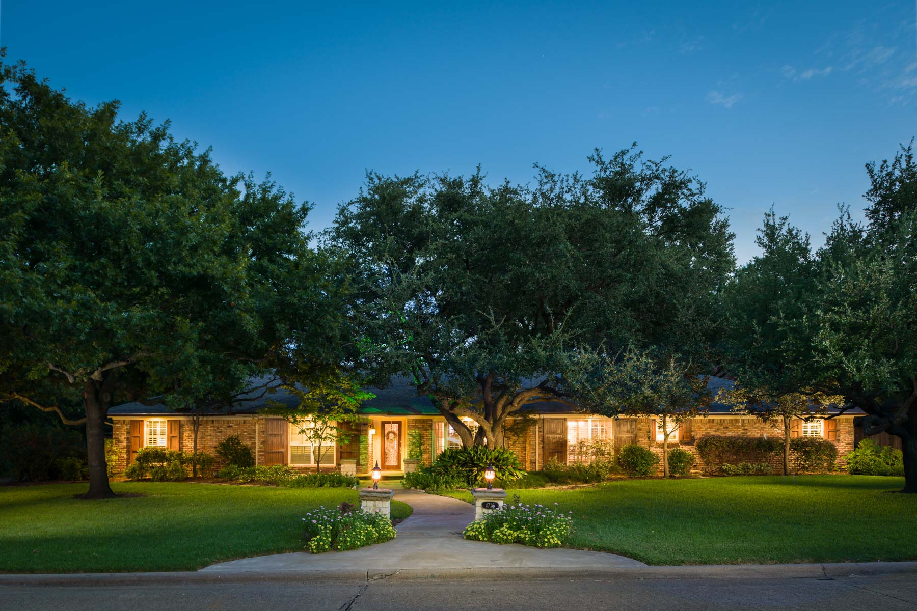 Single Family Home for Sale at Elegant Preston Hollow Home 4716 Twin Post Road Dallas, Texas, 75244 United States