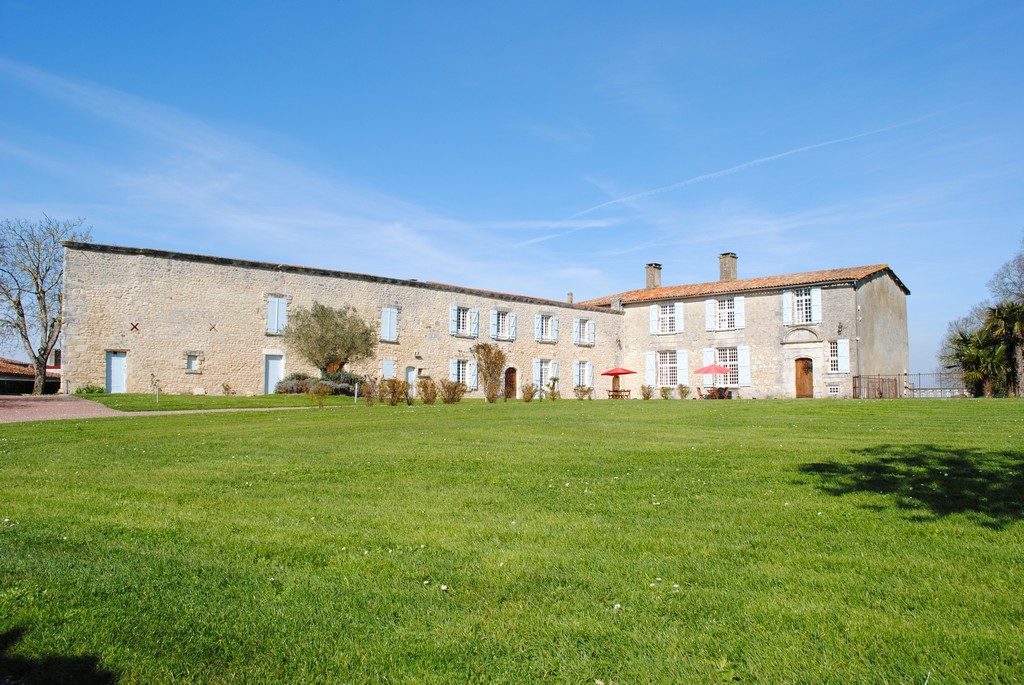 Single Family Home for Sale at Logis Other Poitou-Charentes, Poitou-Charentes 17113 France
