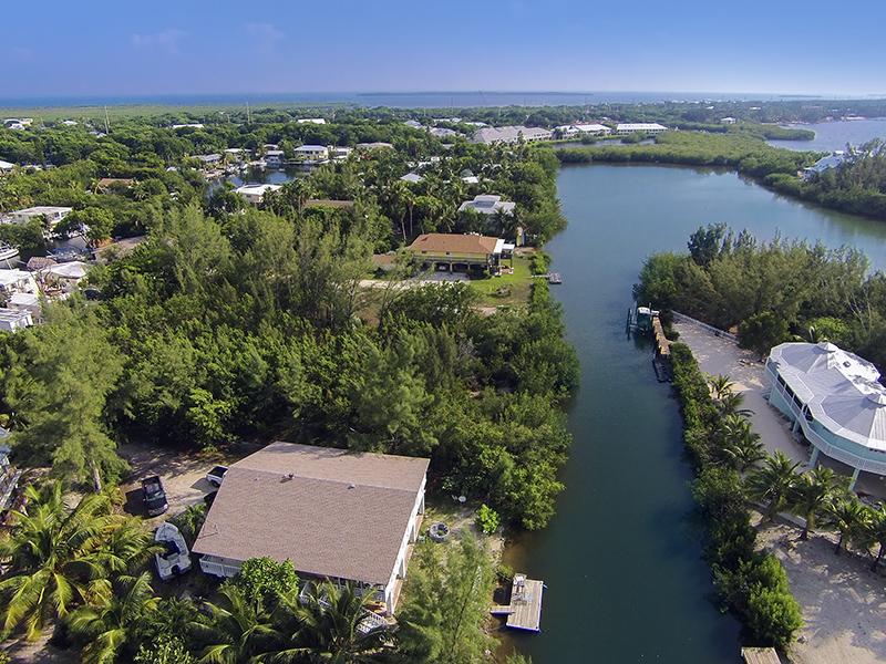 Terrain pour l Vente à Waterfront Lot 66 Jean La Fitte Drive Key Largo, Florida 33037 États-Unis