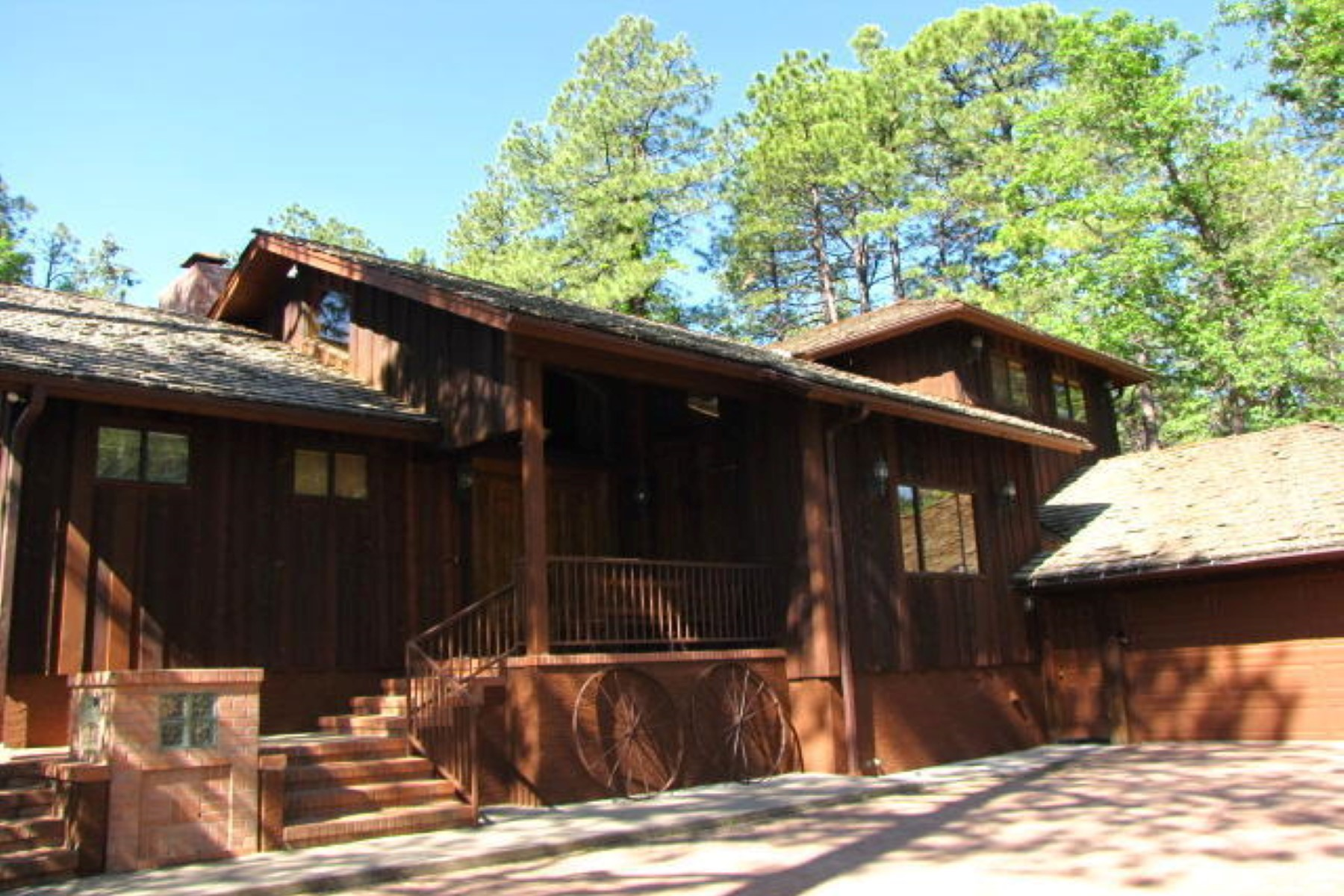 단독 가정 주택 용 매매 에 Stunning cabin on White Mountain Country Club golf course. 3175 Aspen LOOP Pinetop, 아리조나 85935 미국