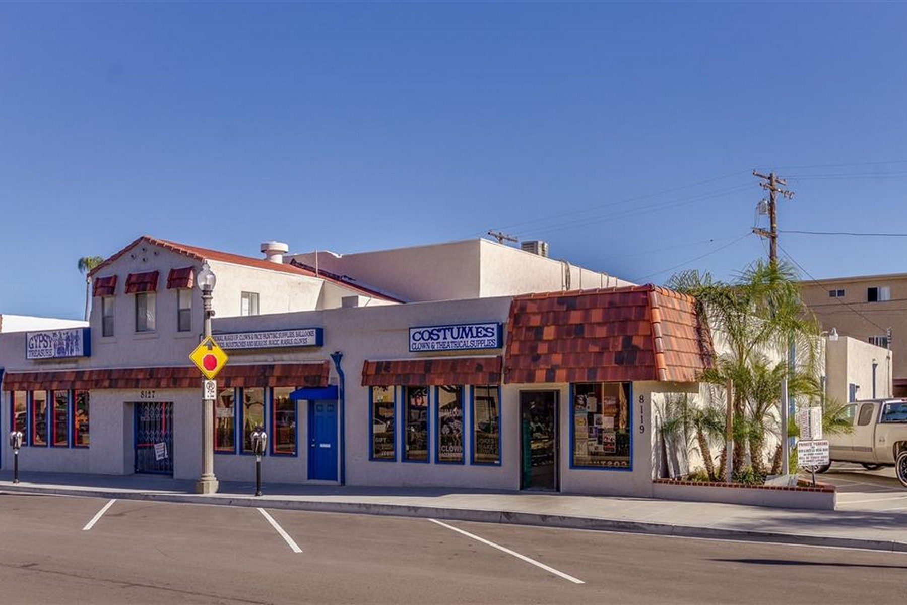 Commercial for Sale at 8127 La Mesa Boulevard 8109-8127 La Mesa Boulevard La Mesa, 91942 United States
